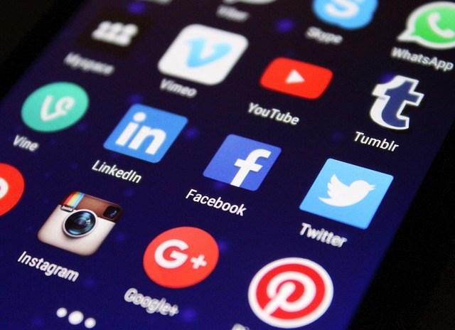Rete commerciale social network