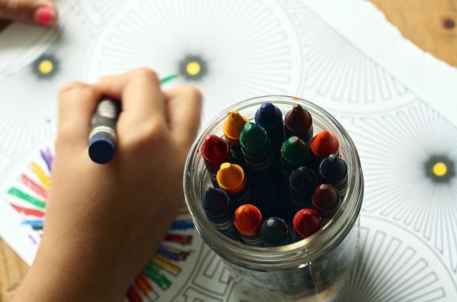 Attività da fare con i bambini: disegni da colorare